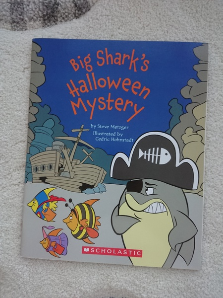 Big Shark's Holloween Mystery